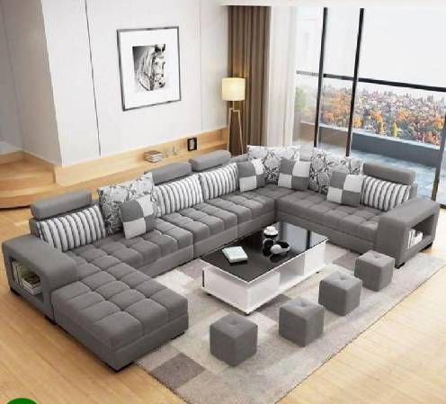 Phòng khách lớn sử dụng được nhiều thiết kế tuy nhiên sự đơn giản vẫn luôn cần thiết để đảm bảo cả sự tiện nghi