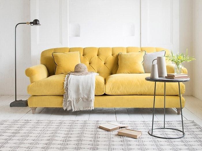 ghế sofa da màu vàng tân cổ điển